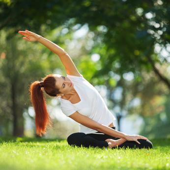 femme pratiquant la Méditation Yoga