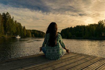 Comment réussir sa première séance de méditation?